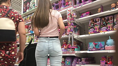 Round ass European in jeans