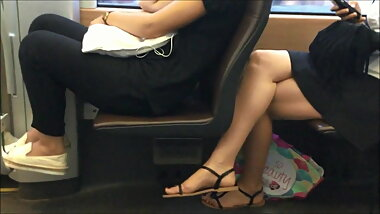 CANDID FEET #23 - SO PRETTY (FACESHOT)